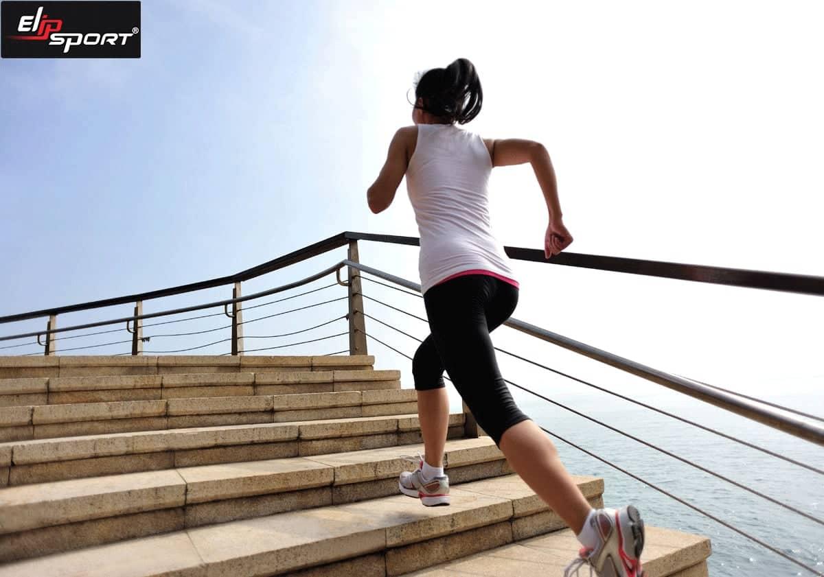 đi bộ cầu thang