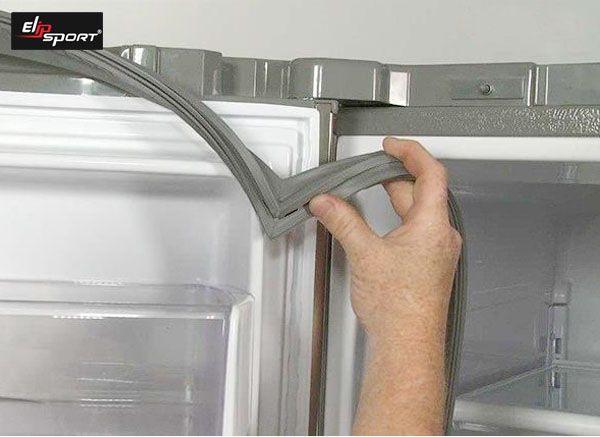tủ lạnh không làm đá được