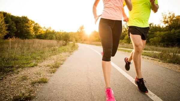 người gầy có nên chạy bộ để tăng cân không