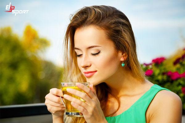 uống trà giảm cân có hại không