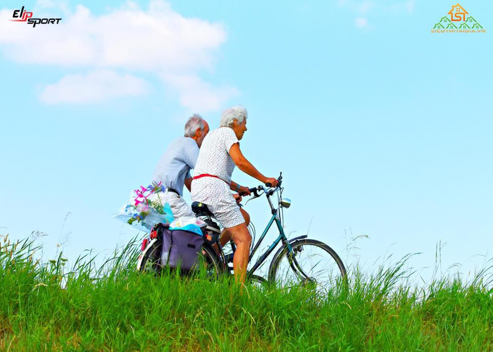 đạp xe có làm to chân không