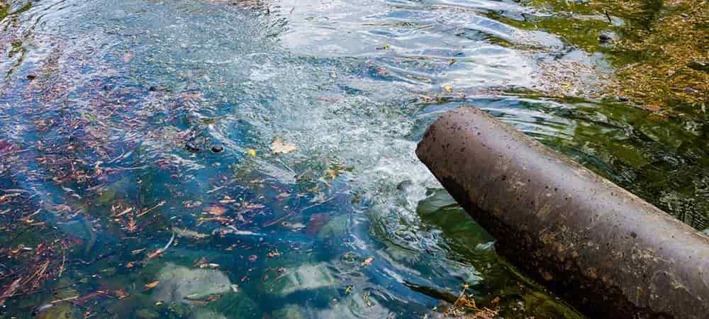 ô nhiễm nguồn nước sông