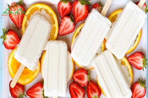 Hai cách làm kem từ sữa tươi không cần máy thơm ngon