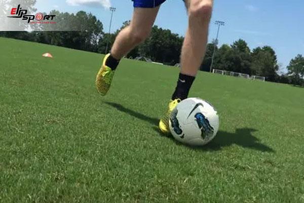 cách chơi bóng đá