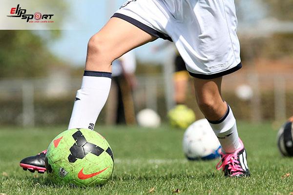 tập luyện kỹ chiến thuật bóng đá
