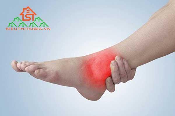 đau cổ chân khi chạy bộ