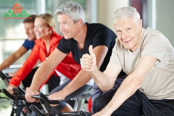 Người già có nên sử dụng xe đạp tập thể dục không?