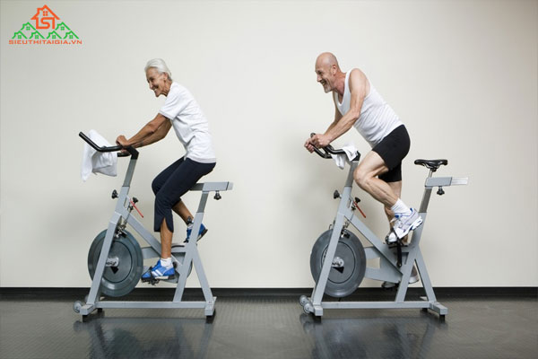 Có nên mua xe đạp tập thể dục cho người già?