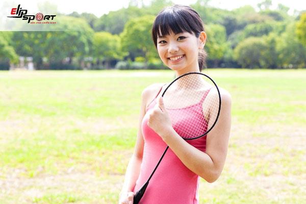 giảm cân bằng cách đánh cầu lông