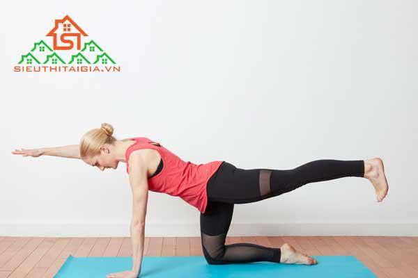 yoga giúp mông to
