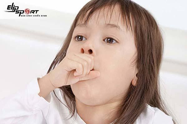 trẻ bị viêm phế quản ho nhiều