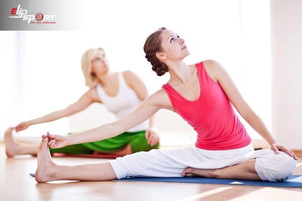 phụ nữ tuổi 40 nên tập gym hay yoga