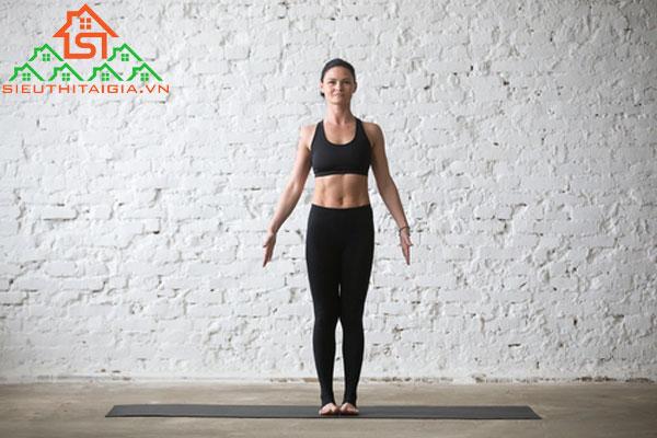 tập yoga bị căng cơ chân