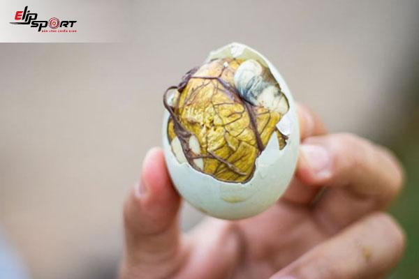 ăn trứng vịt lộn tăng cân cho thai nhi