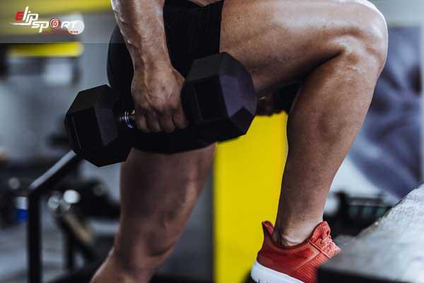 tập chân để sút bóng mạnh