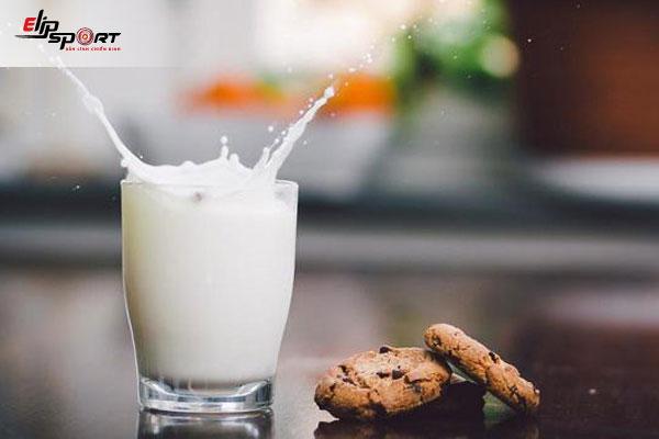 uống sữa tăng cân khi nào