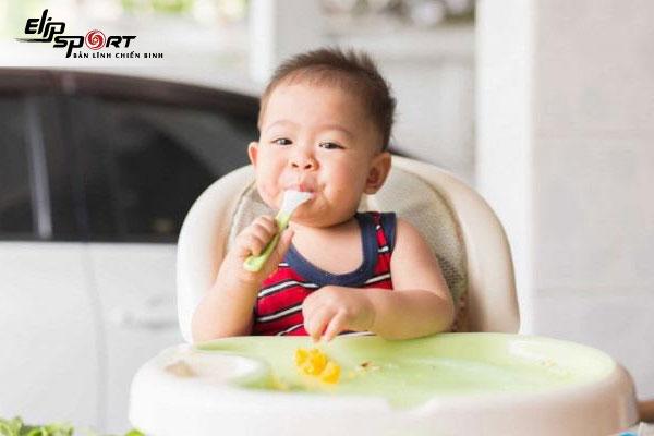 các món ăn cho bé nhanh tăng cân