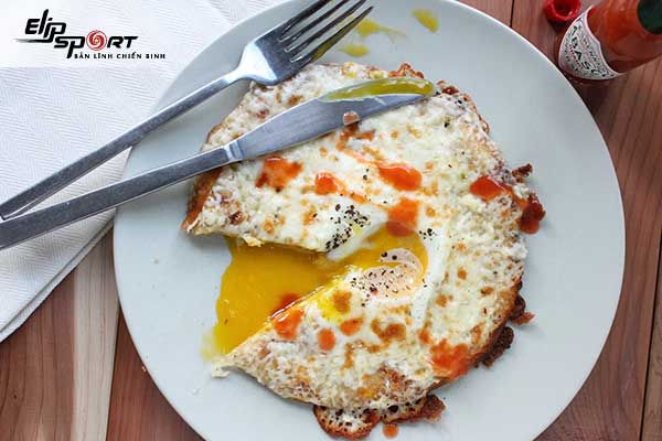 Nên ăn sáng với trứng để giảm cân
