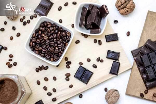 Mẹ đang cho bú có ăn được socola không?