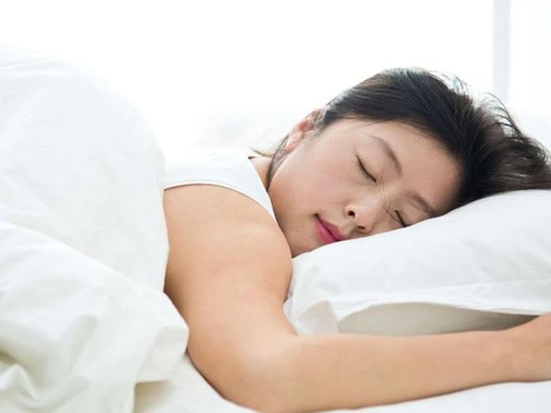 ngủ nhiều có tăng cân không