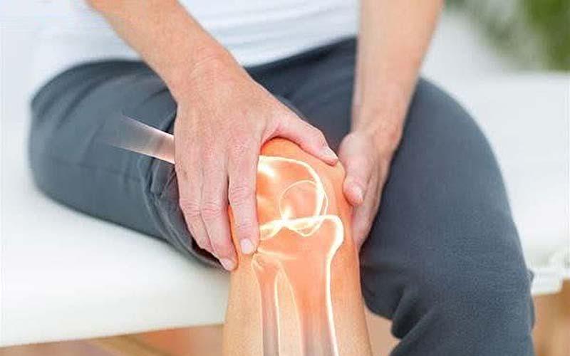 Người mắc bệnh về xương khớp thường hạn chế vận động nên làm mỡ thừa tích tụ, dễ tăng cân