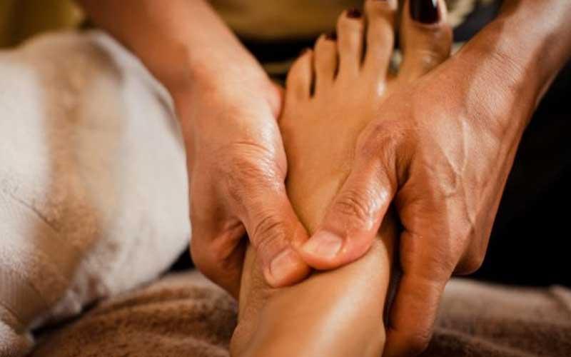 Các bước massage chân hiệu quả