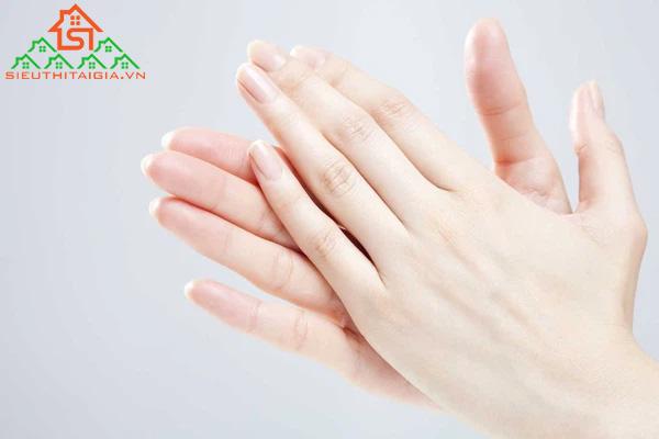 Cách massage chân cho trẻ sơ sinh giúp tăng cường tuần hoàn máu - ảnh 2