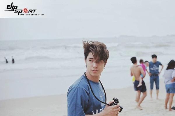 Những dáng chụp ảnh đẹp khi đi biển cho nam