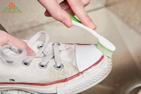 Kem đánh răng với muối có tác dụng gì