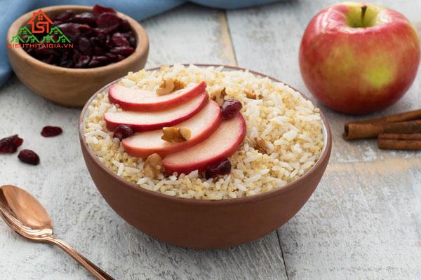 bữa sáng nên ăn trái cây gì