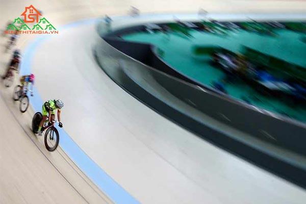 đua xe đạp lòng chảo