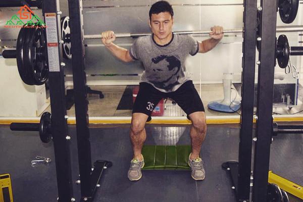Gợi ý lịch tập gym cho cầu thủ bóng đá tăng cơ, tăng thể lực