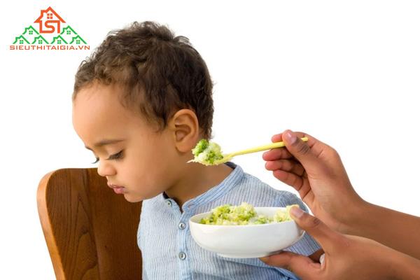 trẻ suy dinh dưỡng cần bổ sung gì