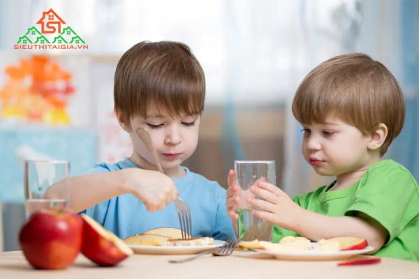 thực đơn cho bé 2 tuổi suy dinh dưỡng
