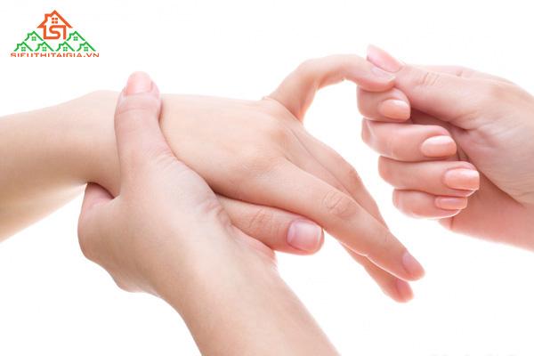 Cách massage cho người bị tai biến