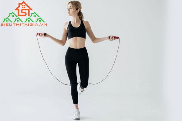 nhảy dây có giảm mỡ bắp tay không