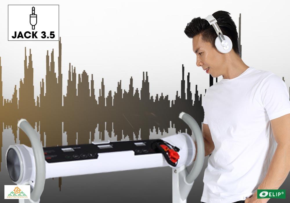 jack 3.5 trải nghiệm âm nhạc với Máy chạy bộ Elip Rosa