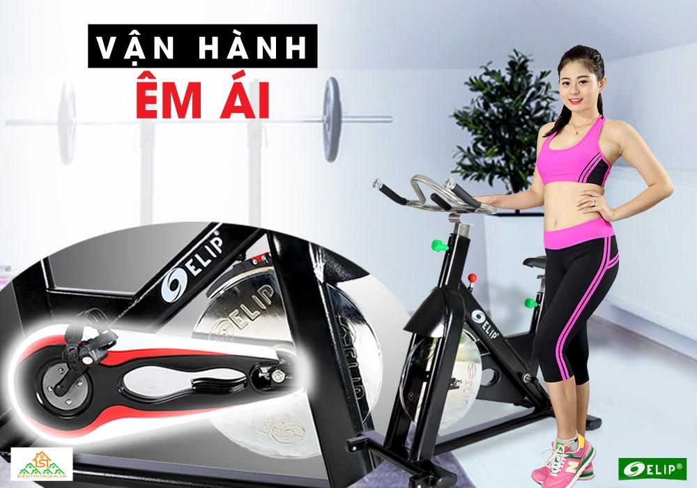 Xe đạp tập Elip Gym Master vận hành êm ái